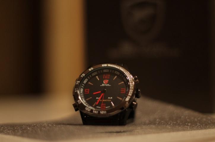 Часы Shark: кварц и LED в одном флаконе: и недорого