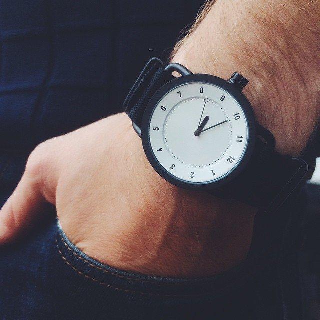 Часы TID от легендарных дизайнеров Form Us With Love