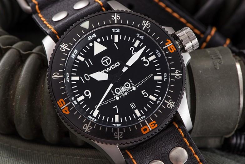 4c_twco_leather_air_controller_pilot_strap_close_up