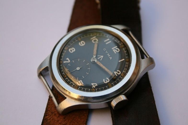 Современные часы в стиле милитари с секундой на 6 часов