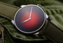 Мозер вернулись в Россию и отметили Революцию «красными» часами