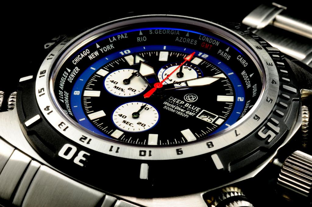 Deep Blue World Diver GMT: недорогие часы дайверы из Америки
