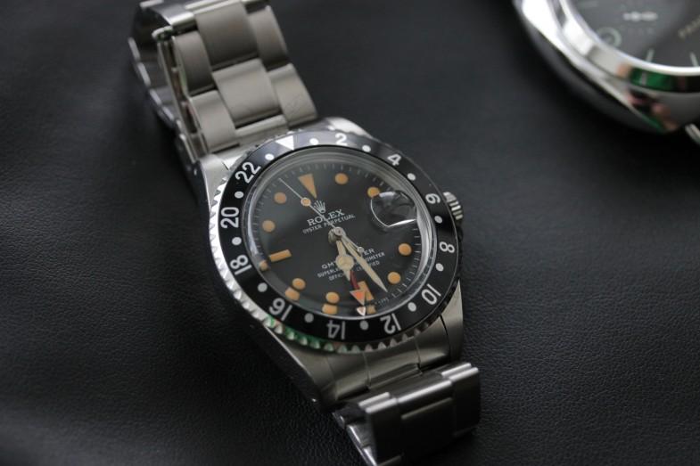 Поддельный винтажный Rolex: цвет люминовы на метках и стрелках не совпадает