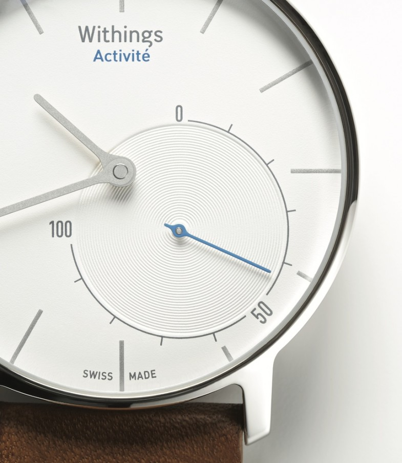 Withings-Activité-Health-Mate-close-up