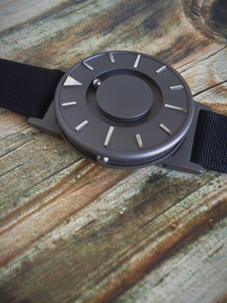 Обзор Eone Bradley — хит с Kickstarter уже в России