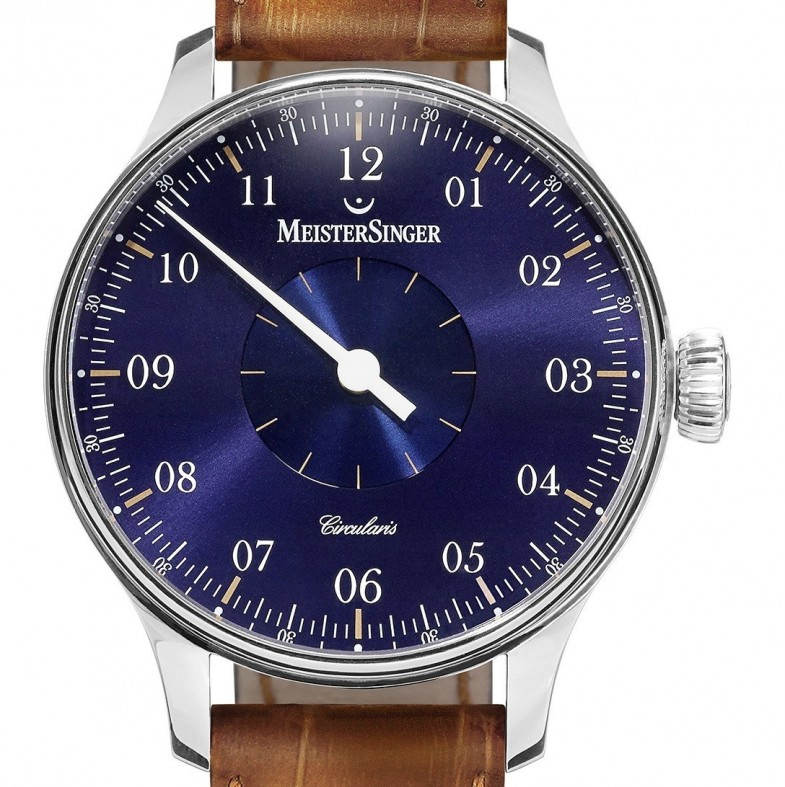 Meister-Singer-Circularis-in-house-blue-1