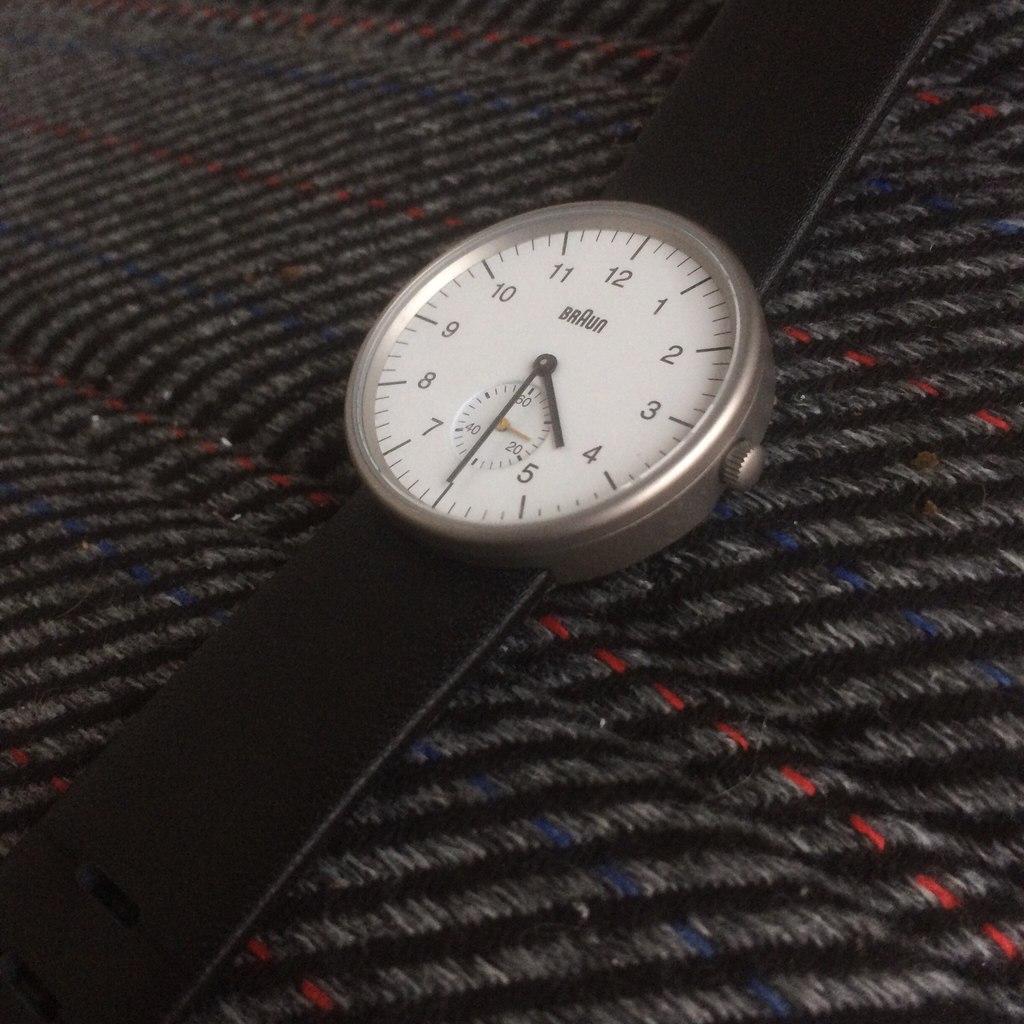 93971bb42142 Минималистичный дизайн от Braun. Обзор часов