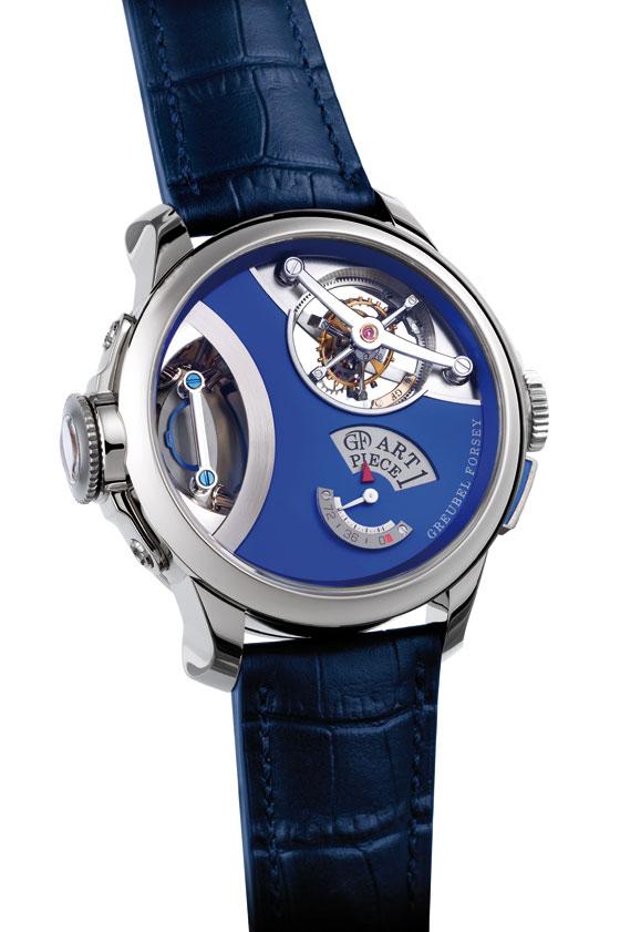 Сам механизм дополнен усилителем репитера ручной работы что также делает эти часы уникальными.