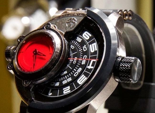 Арнольд Шварценеггер представил свою часовую марку!