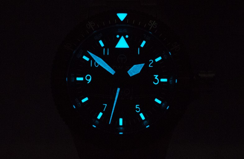 4_twco_air_controller_lume_shot_glow_in_the_dark_triangle_12