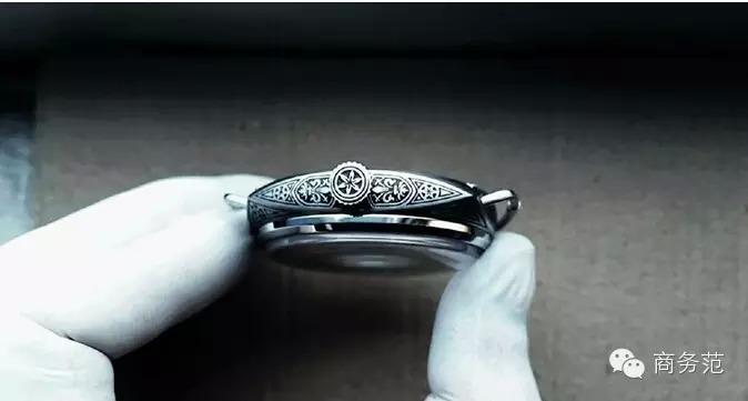 На выставке SIHH 2015 были представлены красивые Panerai PAM 604 с ручной гравировкой. Всего 99 штук... В Гуанчжоу уже делают такие часы - и отличного качества