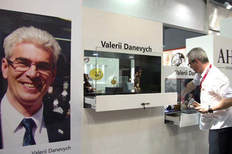 Валерий Даневич – уникальный часовой мастер из Киева