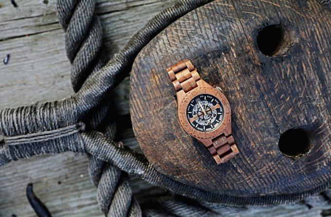 часы дерево kickstarter
