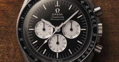 Все 2012 экземпляров были проданы за 4 часа, 15 минут и 43 секунды. Цена часов - 5400 евро. Покупателям они будут доставлены летом.