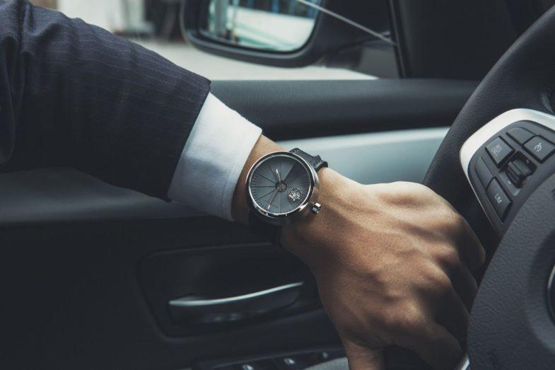 часы из бетона