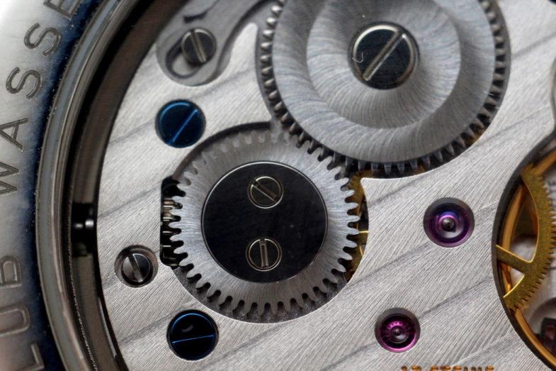Nomos Club обзор часы