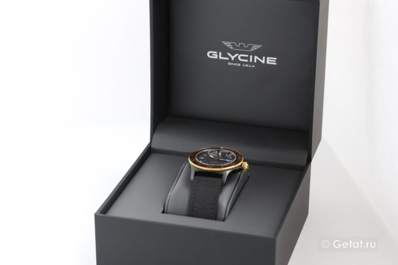 Обзор часов Glycine Combat Sub - Golden Eye