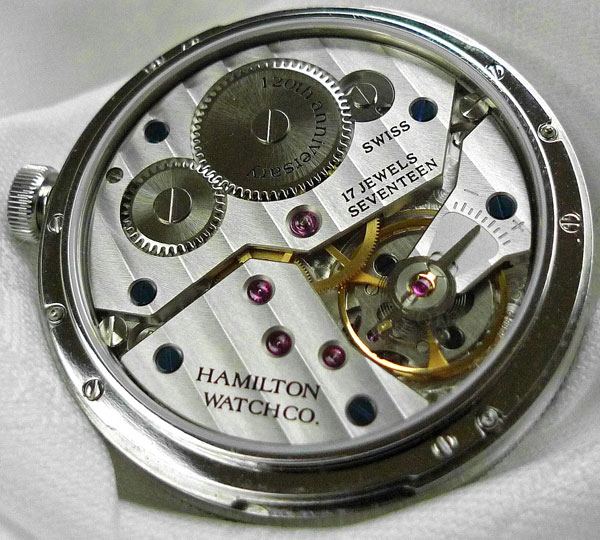 Hamilton Н784650. С морским хронометром на запястье