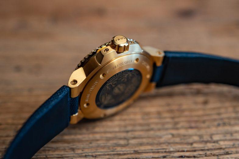 Золотой лимитированный дайвер от Oris