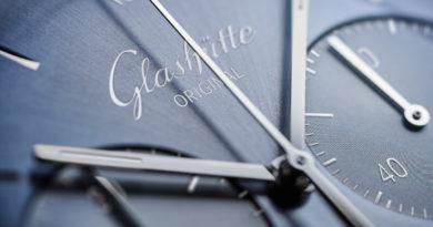 Ежегодное издание Glashütte Original. Sixties 2020 Glacier Blue