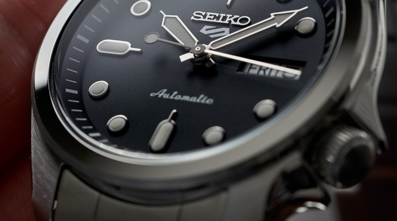 Пополнение коллекции Seiko 5 Sports моделями в «полевом» стиле