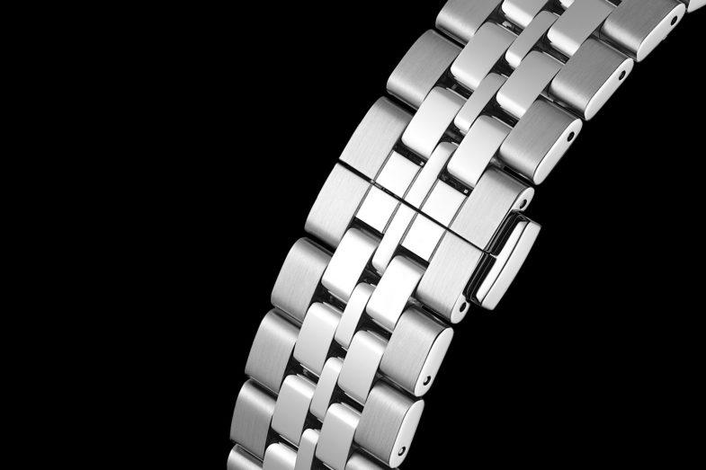 Хронограф ограниченной серии от TAG Heuer и Fragment Design