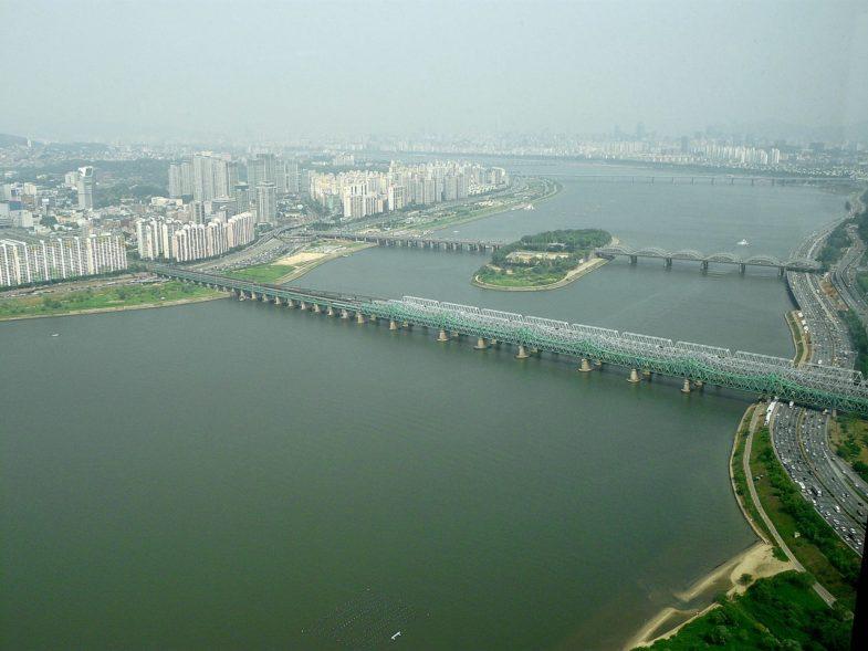 Ограниченное издание Oris в защиту реки Ханган
