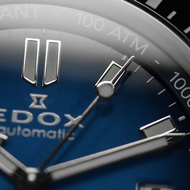 Edox SkyDiver Neptunian – день Нептуна