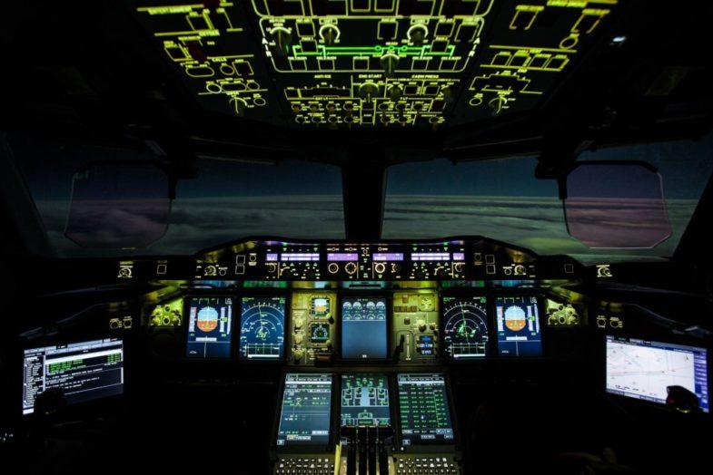 Bell & Ross BR V2-94 FULL LUM – ночной пилот