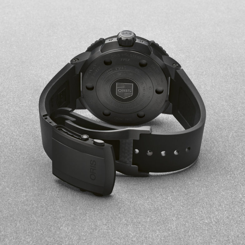 Oris AquisPro Date 400 – профессиональный дайвер на новейшем калибре