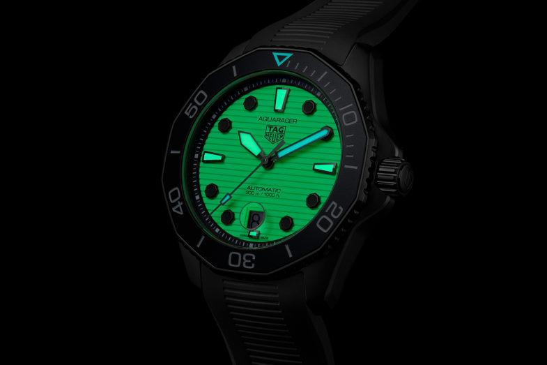 TAG Heuer Aquaracer Professional 300 Night Diver - Огонь в ночи